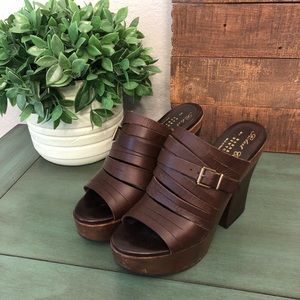 Robert Clergerie Barneys Leather Platform Wedges 6